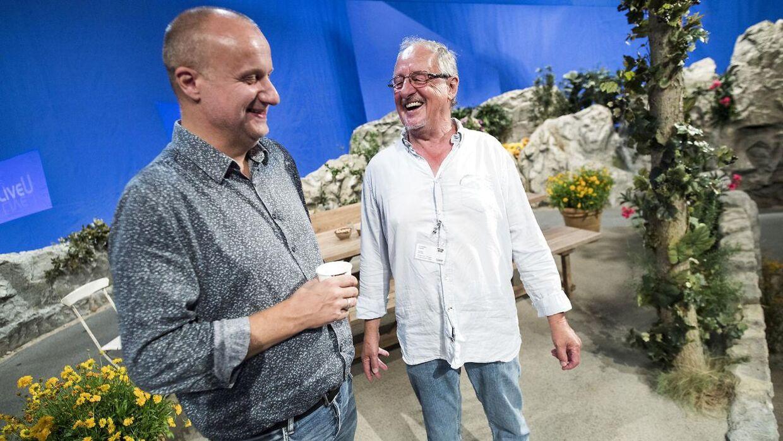 Chefredaktør for TV2 Sporten John Jäger (tv.) og Ole Henriksen (th.).