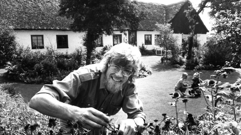Søren Ryge Petersen har lavet haveprogrammer fra sin egen have i 28 år, men faktisk har han arbejdet for DR i 42 år.