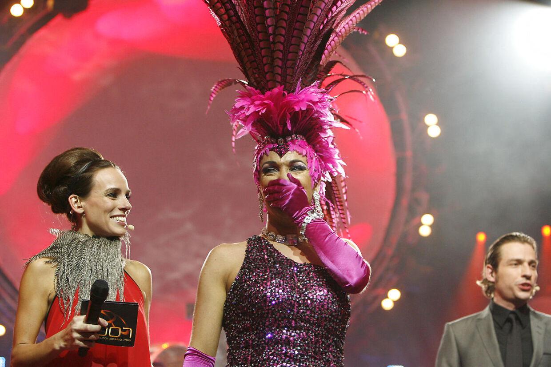 Da Peter Andersen udråbes som vinder af vært Camilla Ottesen.