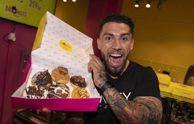 Der er ingen tvivl om, at Türker er stolt af det, han har opnået med sin donutskæde Bronuts