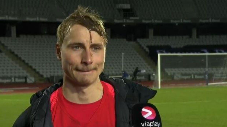 Matchvinder Ulrik Yttergård Jenssen smurt ind i kakao efter sejren over AGF.