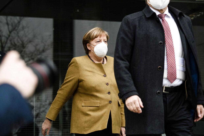 Kansler Angela Merkel i bemærkelsesværdig kovending torsdag