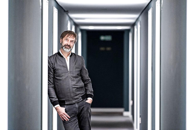 Martin Brygmann glæder sig til, sammen med Tina Müller, at styre showet på lørdag i DRs studie fem.