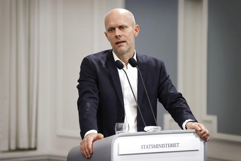 Direktør for Statens Serum Institut Henrik Ullum trak mandag aften i land i forhold til tidligere pessimistiske udmeldinger om, at vi i april kommer til at have 870 indlagte med covid-19. Det ser ud til at gå den helt anden vej.