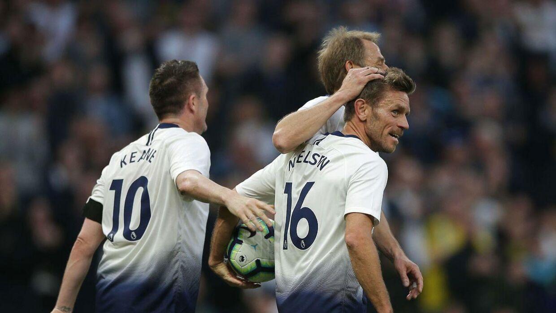 Allan Nielsen i aktion tilbage i 2019 i en legendekamp for Tottenham.