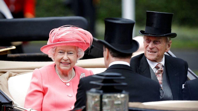 Dronning Elizabeth ville nok gerne have dysset sagen om interne stridigheder i kongehuset ned. Men nu ser det modsatte ud til at ske.