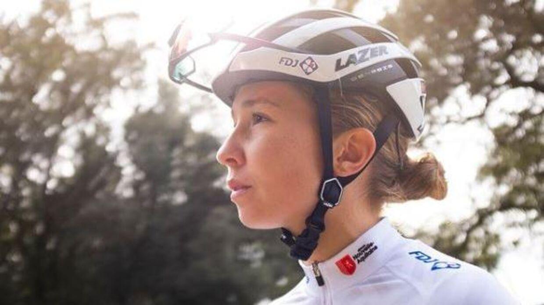 Cecilie Uttrup Ludwig har i sæsonens første løb været en af de mest toneangivende ryttere, og nu placerer hun sig igen forrest - i kvindernes kamp for en fair fordeling af midlerne.
