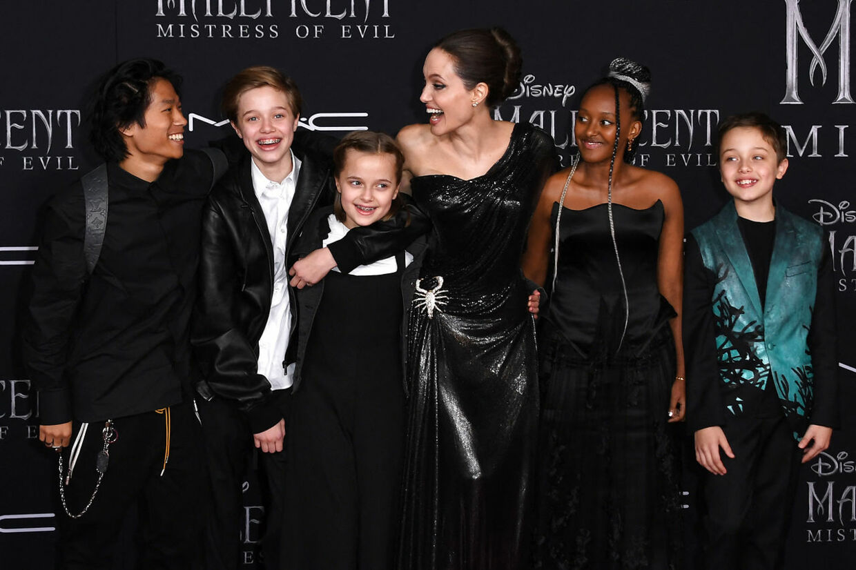 Angelina Jolie og børnene fotograferet i september 2019.