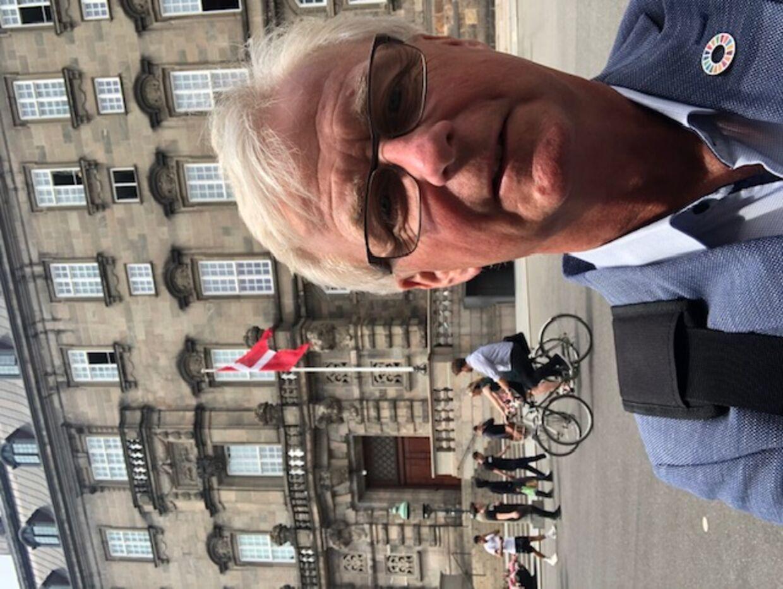 »Vi bør lukke op for liberale erhverv og skolebørn,« siger Tonni Hansen (SF), borgmester på Langeland. Privatfoto.