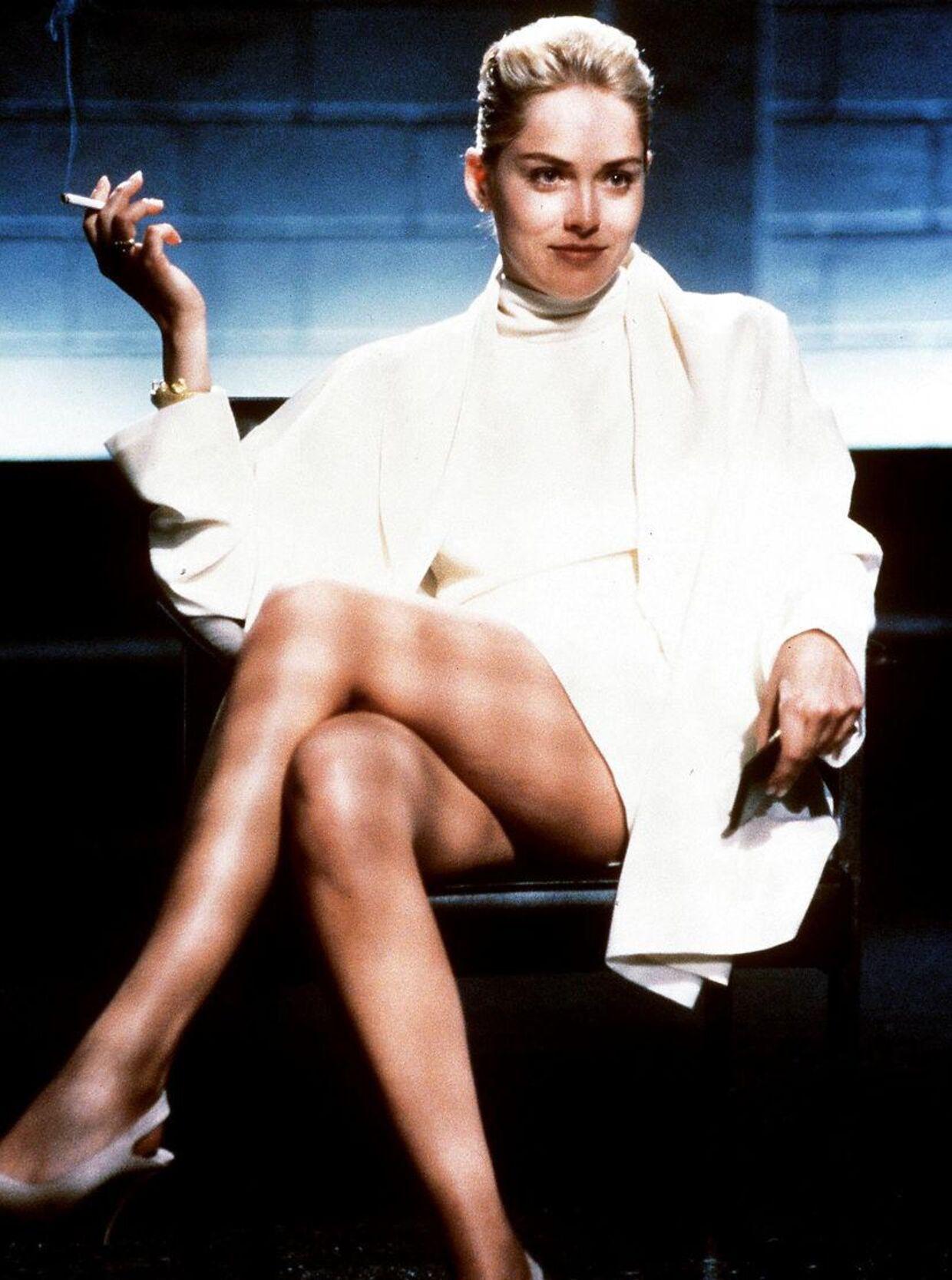 Her et stilbillede fra den omtalte scene med Sharon Stone i 'Basic Instinct'.