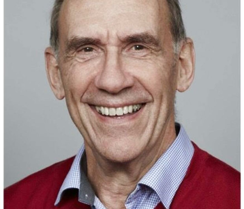 Overlæge og professor Niels Høiby er manden bag teorien.