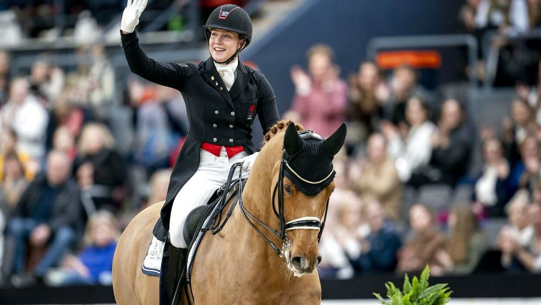 Cathrine Dufour og hesten Atterupgaards Cassidy.