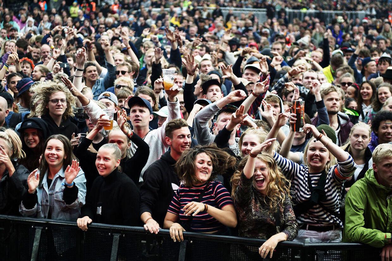 (ARKIV) Bomba Estereo med Liliana Saumet på Orange Scene på Roskilde Festival torsdag 30. juni 2016. Udviklingen af et coronapas går nu i gang, og det vil kunne bekræfte, om man er vaccineret. Støtteparti er bekymret for, om folk bliver presset til vaccination. Det skriver Ritzau, onsdag 3. februar 2021. (Foto: Mathias Løvgreen Bojesen/Ritzau Scanpix)