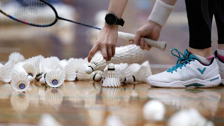 »Der er mega stor frustration ude i klubberne over, at vi ikke kan få lov at samle 10 badmintonspillere i en hal, hvor der er oceaner af plads og mulighed for at holde afstand,« siger Bo Jensen, direktør i Badminton Danmark.
