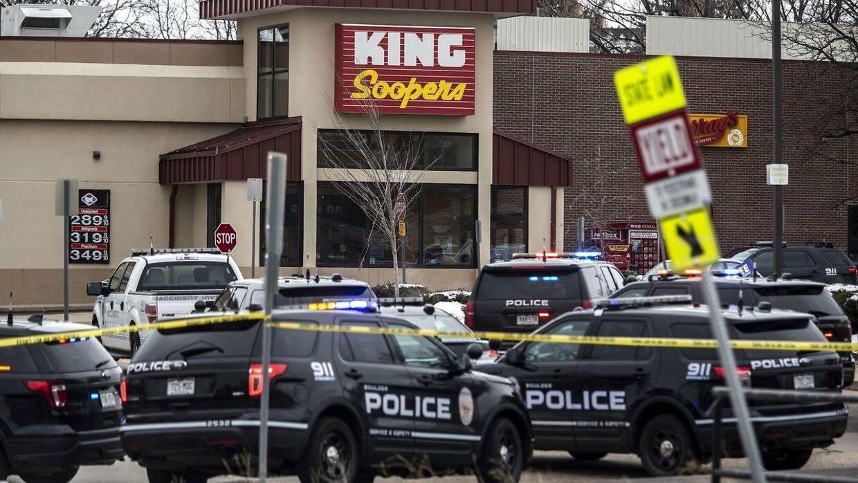 Skyderiet i Boulder, Colorado, begyndte mandag eftermiddag lokal tid. Ti mistede livet.