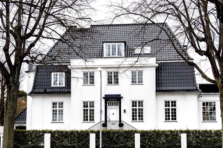 Det Hvide Hus på Dalgas Boulevard på Frederiksberg er et af Frederiksbergs største – og bedst kendte – huse.
