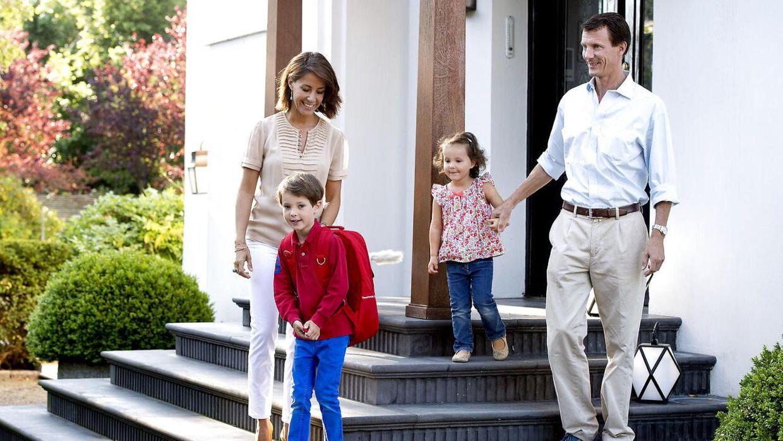 Prins Joachim og prinsesse Marie købte i 2014 denne villa på Emiliekildevej i Klampenborg for 34,5 millioner kroner.