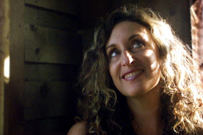 Tamra Rosanes ånder lettet op på sin nye single 'Breathe Again'