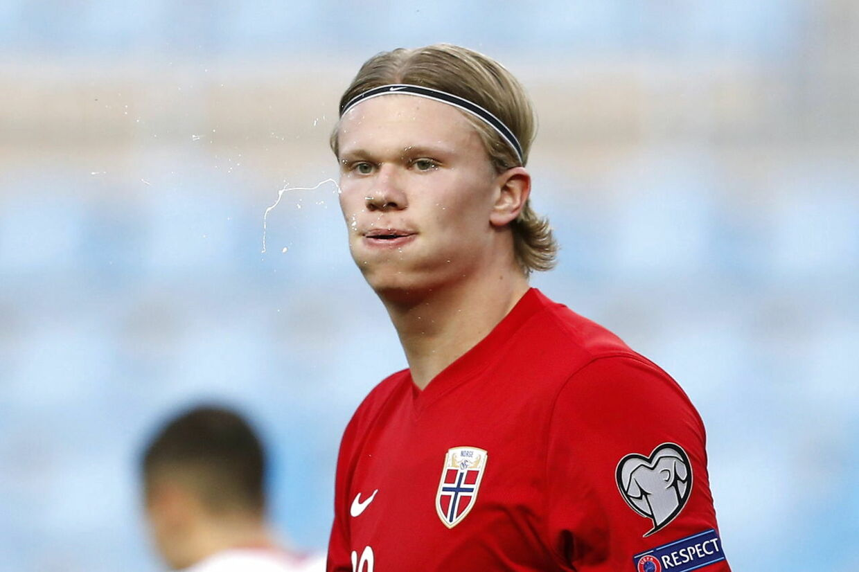 epa09101821 Norway's striker Erling Haaland reacts after Turkey scored their third goal during the Group G of FIFA World Cup Qatar 2022 qualifier soccer match between Norway and Turkey held at La Rosaleda stadium, in Malaga, southern Spain, 27 March 2021. EPA/Jorge Zapata