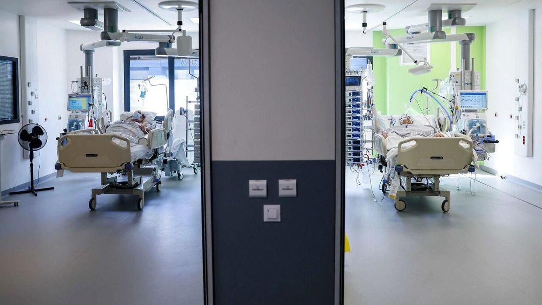 Indlagte covid-patienter på hospitalet Delafontaine i Paris-forstaden Saint-Denis. Billedet er fra den 29. marts 2021.