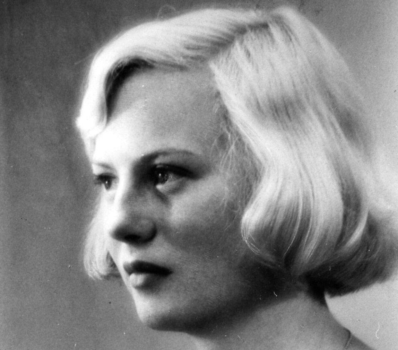 Lisbet Dahl drømmer ikke om at få ungdommen tilbage, men måske gerne lidt af fortidens stramhed. Her ses hun i en 16-årig udgave.
