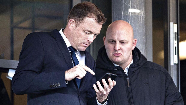 AGFs direktør Jacob Nielsen sammen med den tidligere sportschef Peter Christiansen, der nu står med det sportslige ansvar i FC København.