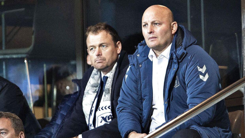 Peter Christiansen (til højre) fortæller, at man i AGF ikke længere frygter FC København, som man engang gjorde.