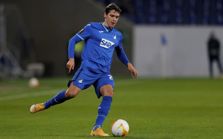 Robert Skov scorede et vanvittigt mål for Hoffenheim mod Augsburg lørdag.