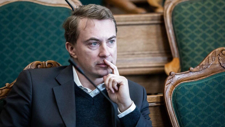 Morten Messerschmidt (DF) mener ikke, man skal ændre på loven på grund af en række personsager. Grundlæggende set skal Danmark ikke være et indvandrerland, lyder det fra politikeren.