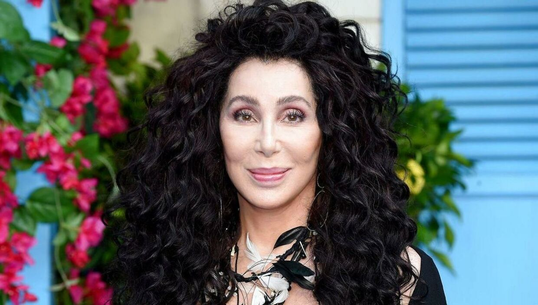 Cher rodede sig ud i problemer på sociale medier i weekenden...