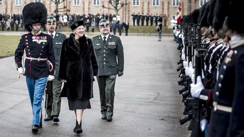 Arkivfoto. Dronning Margrethe er oprørt over kokainskandalen i Den Kongelige Livgarde, vurderer ekspert.