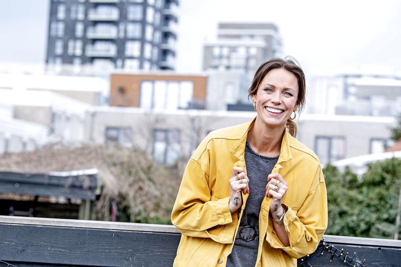 Lisbeth Østergaard elsker sit nye liv som influencer, men erkender også, at man som selvstændig kun sjældent har fri.