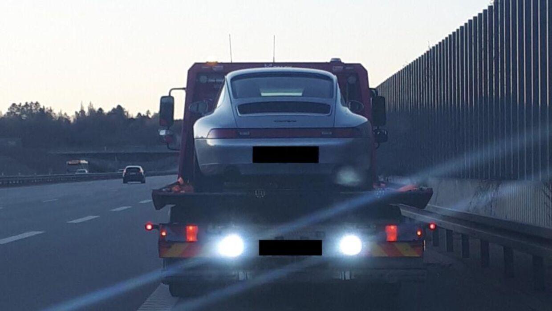 Politiet beslaglagde forleden den Porsche, som en nordsjællandsk mand havde lånt af sin vej. Vennen havde nemlig brugt bilen til vanvidskørsel.