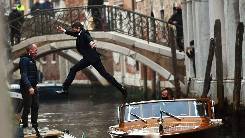 Mange af han stunts er dog endt med en brækket arm eller et ben.