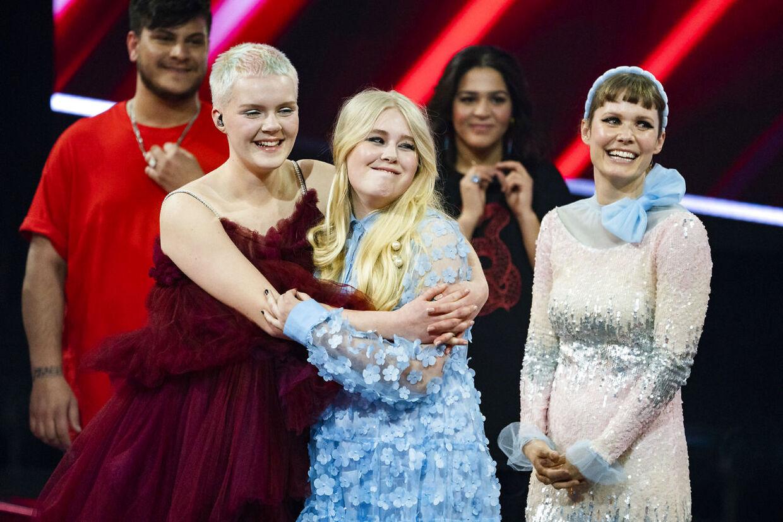 Solveig vinder X Factor-finalen, og Nikoline Steen Kristensen tager andenpladsen. X Factor-finale, på TV 2 fredag den 9. april 2021. Pooldækning leveret af Ritzau Scanpix. Dækningen kan anvendes vederlagsfrit til redaktionel omtale af programmet. (foto: Martin Sylvest/Ritzau Scanpix 2021).