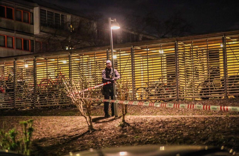 Ifølge vagthavende var der tale om, at en gruppe overfaldt to mænd i tyverne. Politiet har dog umiddelbart ikke noget bud på et motiv. Foto: Presse-fotos.dk