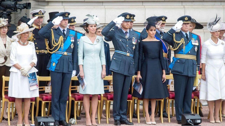 Prins Andrew og prins Harry kommer ikke til at være iklædt en militær uniform ved begravelsen.