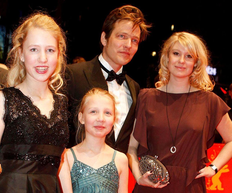 Thomas Vinterberg med sin datter Ida (midt) for nogle år siden.