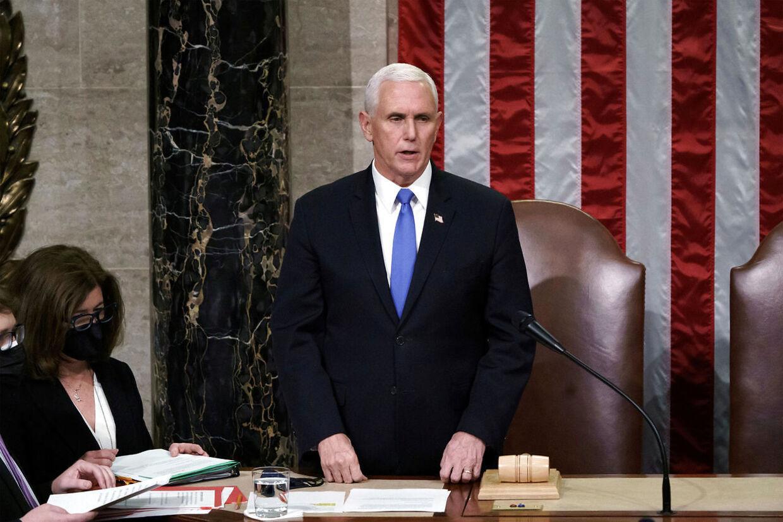 Daværende vicepræsident Mike Pence fotograferet i kongressen dagen efter stormløbet på regeringsbygningen.