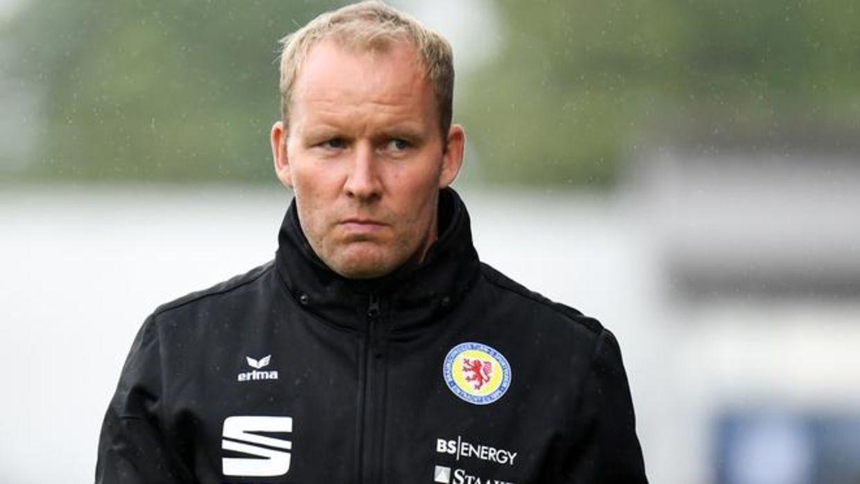 Strømsgodset har fundet de foreløbige afløsere for den danske træner Henrik Pedersen.
