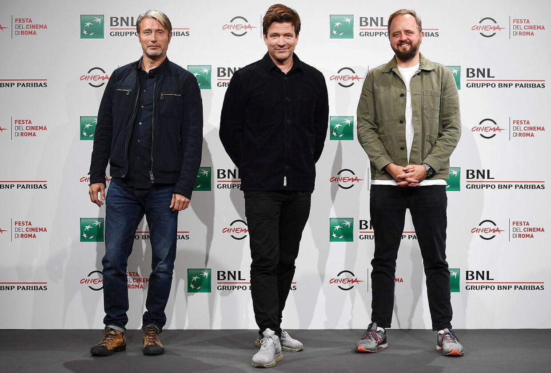 Thomas Vinterber, Mads Mikkelsen og Magnus Millang til filmfestival i Rom i oktober 2020. Foto: EPA/ETTORE FERRARI
