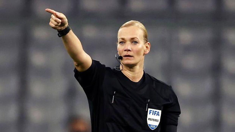 Bibiana Steinhaus er fortsat en del af den tyske Bundesliga, men bruger i dag sin tid i VAR-rummet.