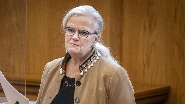 Dansk Folkepartis Liselott Blixt kræver statsministerens garanti for at samfundsrestriktionerne bortfalder. Det samme gør mange andre politikere.