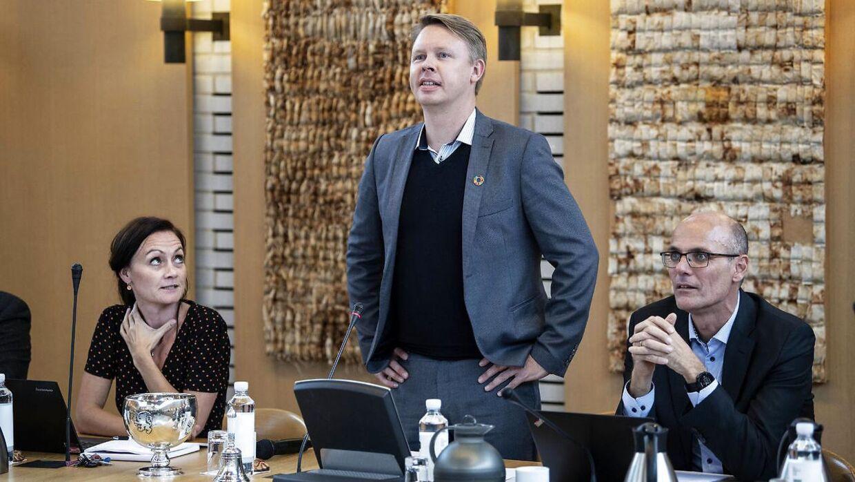 Arkivfoto: Borgmester Jacob Bjerregaard og kommunaldirektør Annemarie Schou Zacho-Broe og økonomi- og personalechef Tommy Abildgaard (t.h). Foto: Peter Leth-Larsen