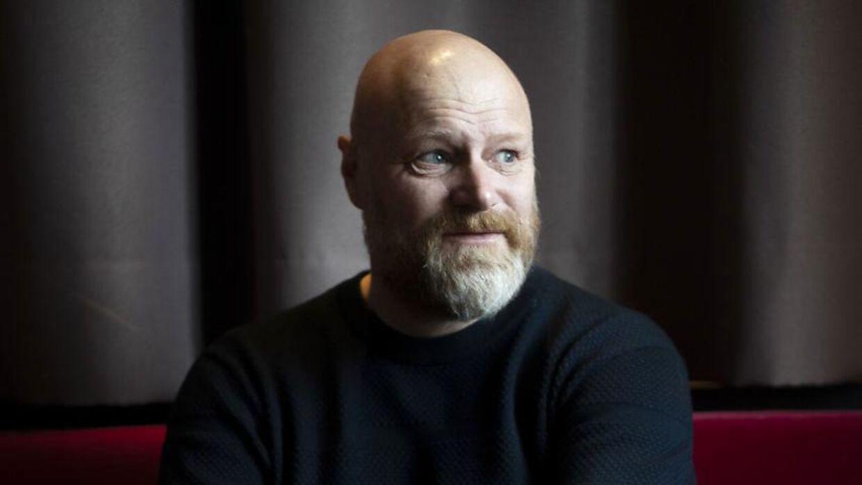 Mads Steffensen skiftede til Podimo, hvor han laver programmet 'Mads og A-holdet'.