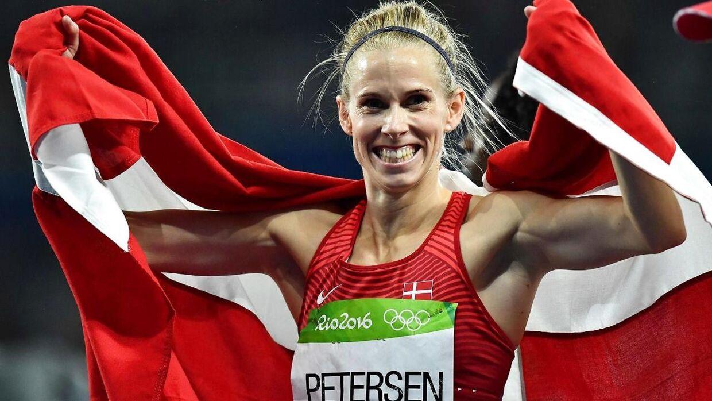 »Der er ingen atleter, der forventer, at de skal rykkes foran nogen, som helt tydeligt har brug for vaccinen - kronikerne, de gamle og de svagelige,« siger OL-helten Sara Slott Petersen, der også sidder i DIF's bestyrelse.