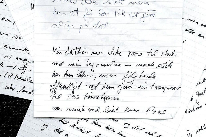 Poul Glargaard efterlod sig en bunke udkast til afskedsbreve. I flere af dem skrev han, at hun var uønsket til hans begravelse.