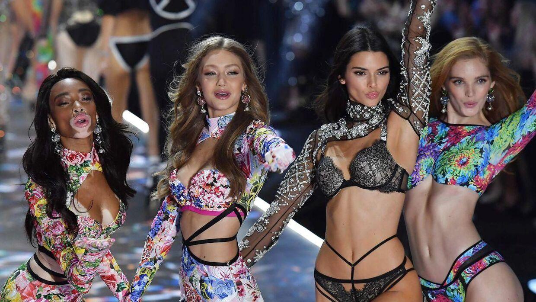 Kendall Jenner (anden fra højre) har skabt sig en karriere som supermodel.