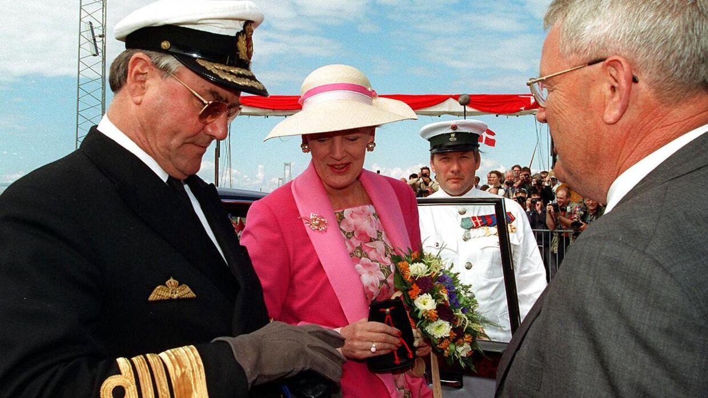 Dronning Margrethe og prins Henrik indviede Storebæltsbroen.