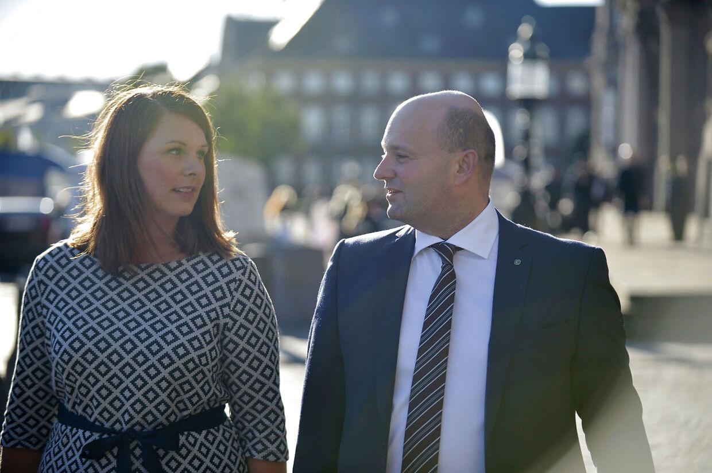 Søren Pape Poulsen og Mette Abildgaard ankommer til gudstjeneste i Christiansborg Slotskirke tirsdag den 4. oktober 2016 i anledning af Folketingets åbning. (Foto: Ida Guldbæk/Scanpix 2016)